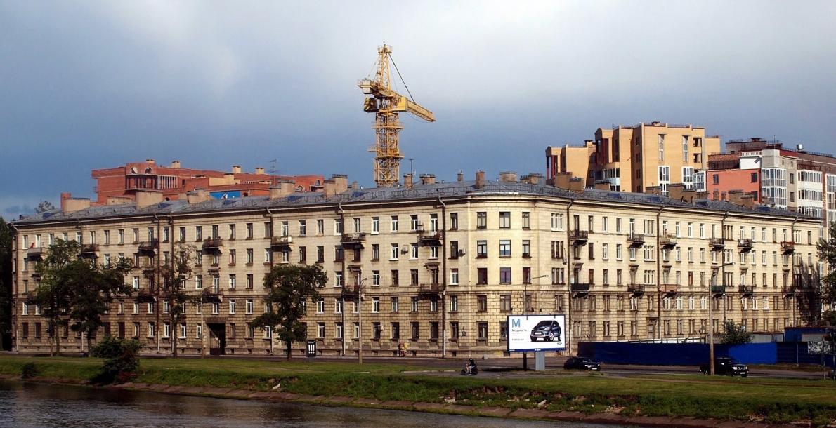 拉扎列夫将军堤岸 (Admiral Lazarev Embankment)