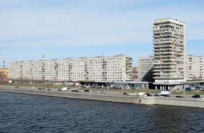 十月堤岸 (Oktyabrskaya Embankment)