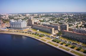 斯维尔德洛夫斯卡娅堤岸 (Sverdlovskaya Embankment)