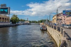 日达诺夫卡亚滨河路 (Zhdanovskaya Embankment)