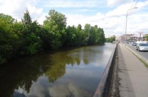 奥赫塔河滨河路 (The Okhta River Embankment)