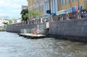 """码头 """"莫伊卡河沿岸街,尤苏波夫宫"""""""